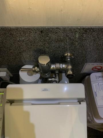 2階トイレ女子①前